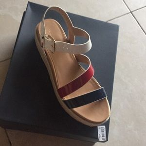 Tommy Hilfiger Marri size 8.5 white red and blue